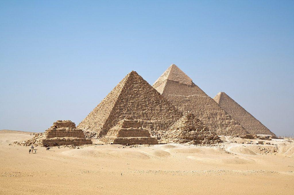 Journey through Giza desert, Egypt – find one of the world's seven wonders