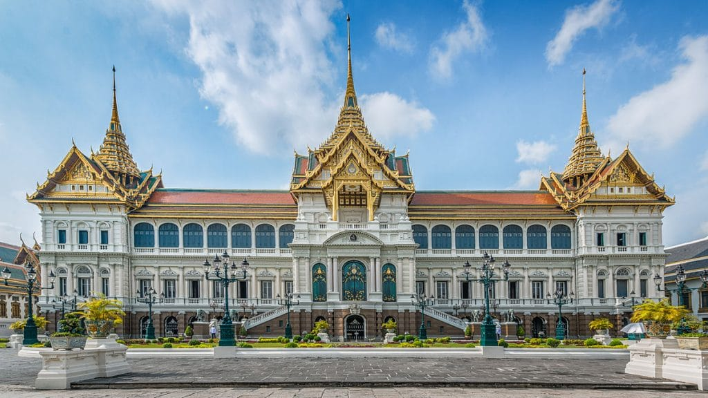 The Grand Palace, the ultimate thing to do on the Thailand Bucket List.