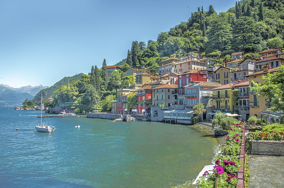 Take in the surroundings of Lake Como – one of the best things on the Italy Bucket List.