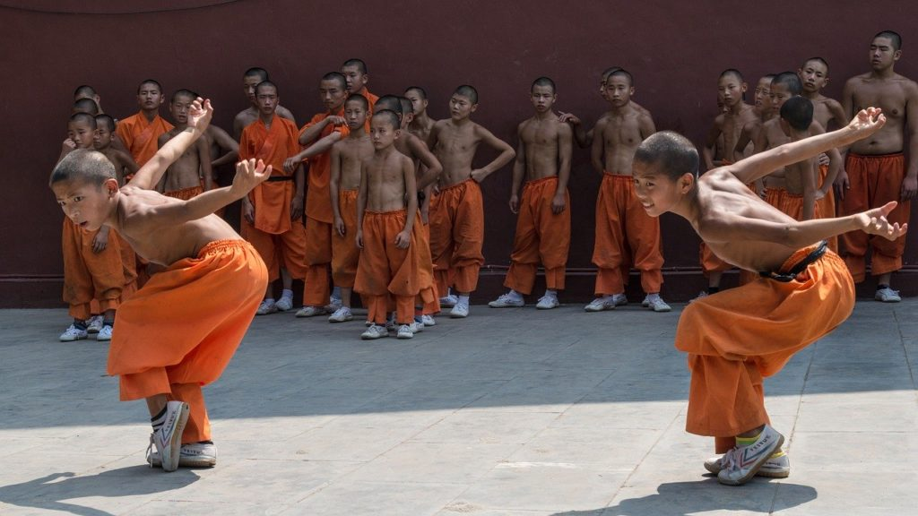 Another of the top things to do on our China bucket list is watching kung fu at the Shaolin Temple.