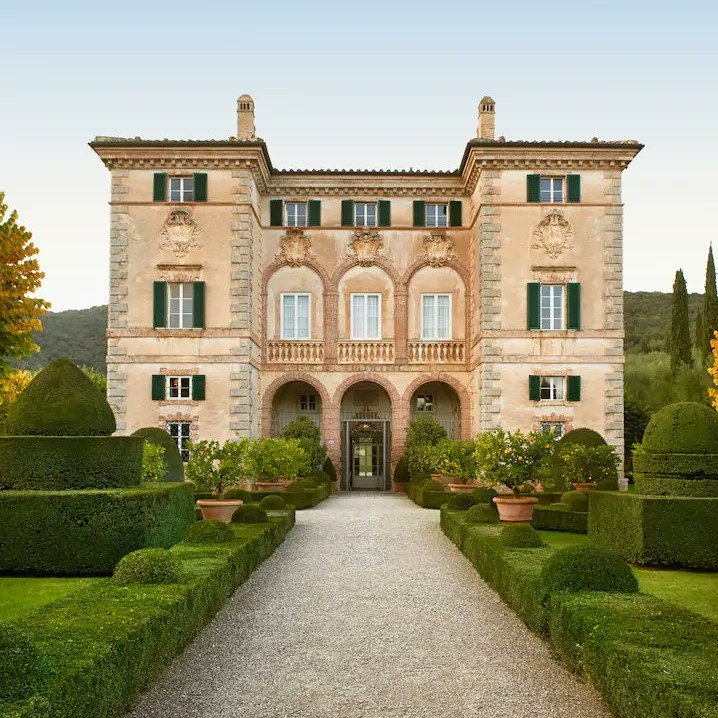 Where to stay in Tuscany? Try Villa Cetinale.