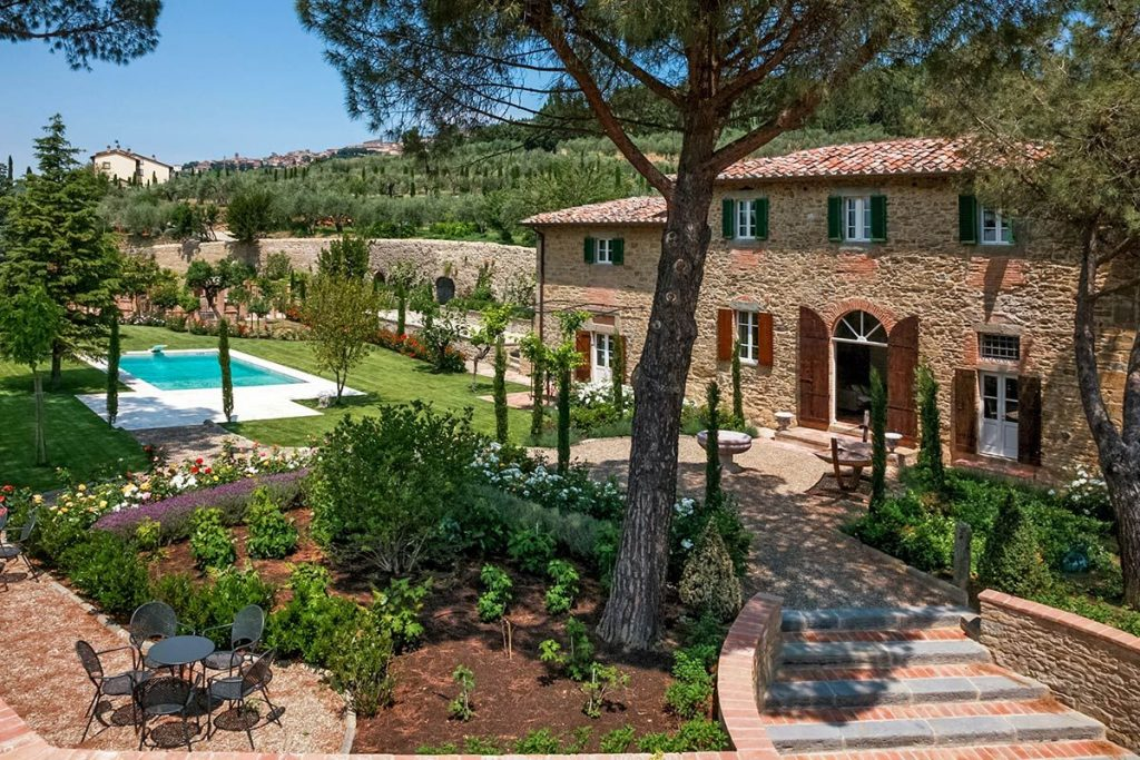 Villa Laura is the set of a Hollywood film.