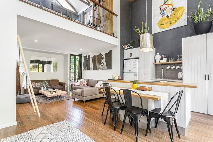 The Luxury Loft tops our list of incredible Airbnbs in Byron Bay.
